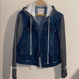 Denim jacket with sweater sleeves XL